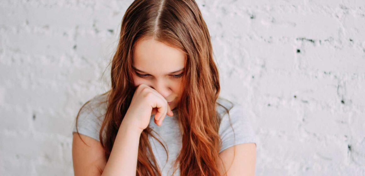 Becky-Lennox-Teen-Cutting